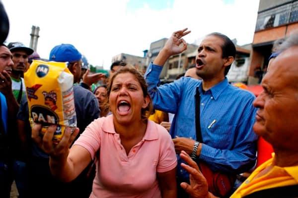 Las protestas por comida y mejores servicios públicos son diarias en Venezuela. REUTERS/Iván Alvarado