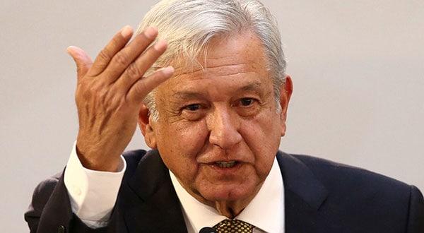 El presidente mexicano Andrés Manuel López Obrador discutió con los jefes de industria, trabajadores y miembros de su gabinete, la política sobre el salario mínimo /REUTERS/Edgard Garrido