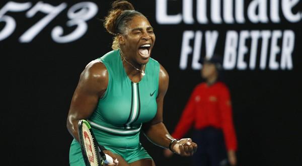 Serena Williams celebra su pase a cuartos de final del Abierto de Australia (REUTERS)