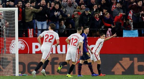 Ben Yedder celebra su gol ante el Barcelona en los cuartos de final de la Copa del Rey