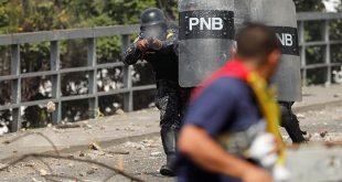 La única salida en Venezuela es política, no jurídica
