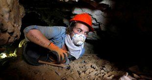 Jóvenes arqueólogos excavan en una nueva cueva en Qumrán, Israel. Manuscritos del Mar Muerto