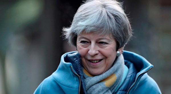 En la imagen, la primera ministra británica, Theresa May, saliendo de una iglesia cerca de High Wycombe, Reino Unido, 20 de enero de 2019. REUTERS/Hannah McKay