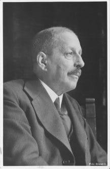 Según Josep Pla, Moragas era uno de los hombres más importantes del país, y no lo parecía. Pla también remarcaba que sus empleados eran como las niñas de sus ojos
