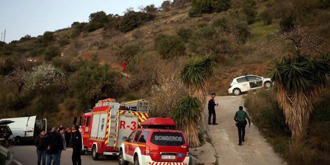 Los rescatistas buscan el acceso al pozo donde cayó el niño Julen/REUTERS