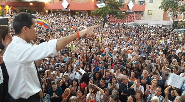 Juan Guaidó continúa realizando cabildos abiertos en calles y avenidas y sostiene que la AN se mantendrá firme en sus decisiones/@jguaidoavenidas