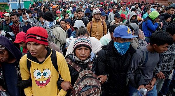 Los migrantes centroamericanos huyen de la violencia y la pobreza en sus países de origen.