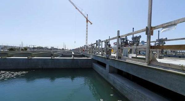 Piscina de agua salada en una planta desalinizadora en Carlsbad, EEUU / REUTERS