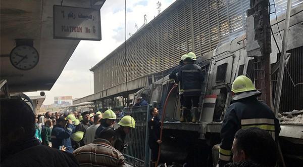 Tragedia ferroviaria en El Cairo dejó al menos 25 fallecidos. El mal estado de vías y de trenes ocasionan con frecuencia estos accidentes