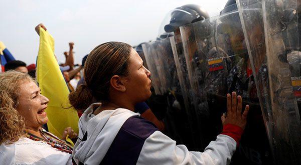 En medio de bloqueo, cierre fronterizo y represión, la ayuda humanitaria inició su entrada a Venezuela