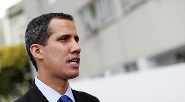 """General venezolano calificó de """"dictador"""" a Nicolás Maduro y reconoció a Juan Guaidó como presidente encargado del país"""
