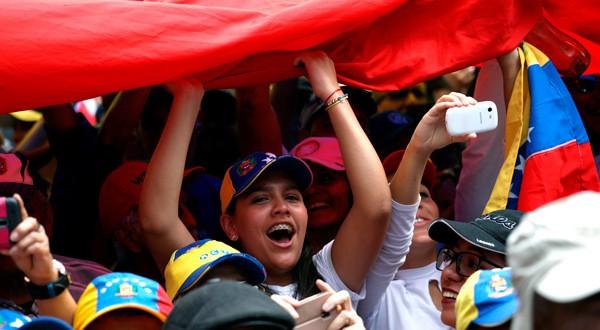 La alegría y la esperanza de la juventud venezolana se mantiene intacta.