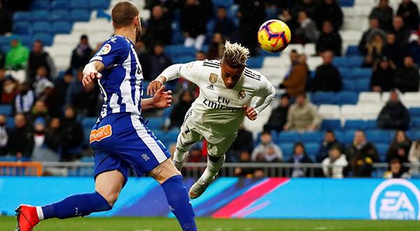 Los campeones europeos se impusieron 3-0 al Deportivo Alavés en el Santiago Bernabeu