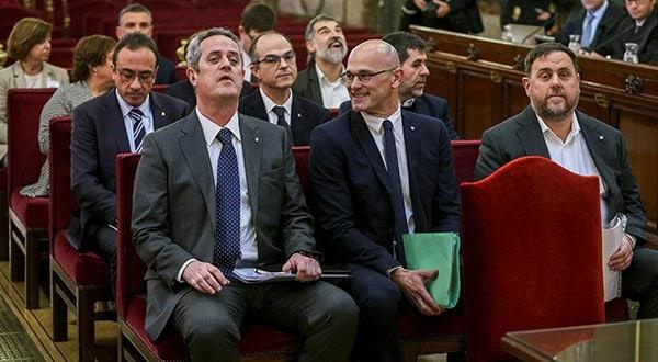Los líderes separatistas catalanes en el juicio ante el Tribunal Supremo, en Madrid. En segunda fila, al centro, Jordi Turull.