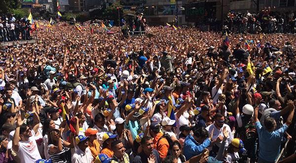En el este de la capital Caracas la presencia es multidudinaria. Foto: #JuventudSiempreLibre / Asamblea Nacional