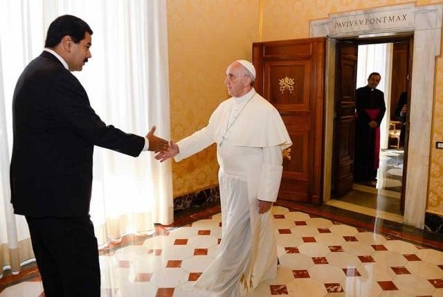El papa Francisco recibió en el Vaticano al mandatario venezolano Nicolás Maduro en octubre de 2016.