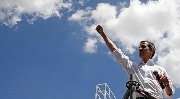 Juan Guaidó, líder de la Asamblea venezolana, en un encuentro con voluntarios para coordinar la ayuda humanitaria a Venezuela.