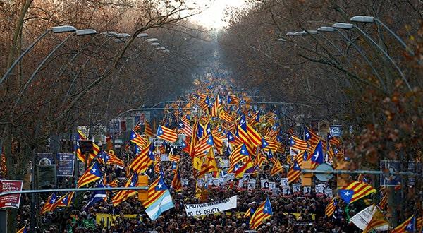 En Barcelona independentistas manifestaron contra el procés.