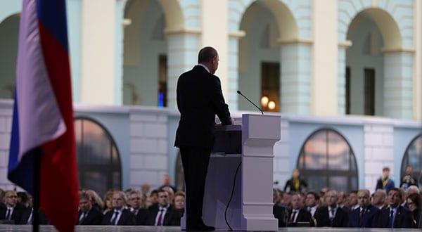 El presidente ruso Vladimir Putin hizo advertencias a Washington durante su alocución este martes en la Asamblea Federal en Moscú.