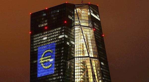 Ante desaceleración económica de la zona euro, el BCE inyecta liquidez a la banca. Se estima que el PIB será de 1,1 este año