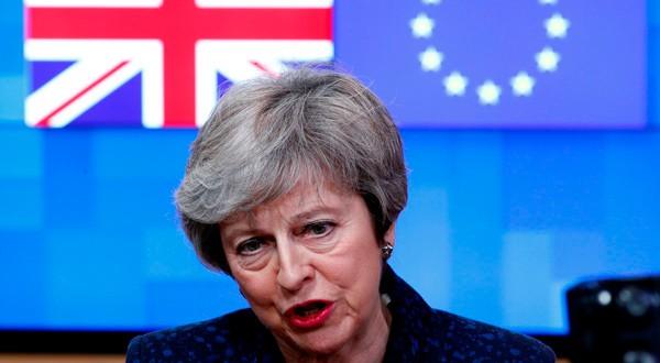 La pirmera ministra británica, Theresa May, habla en la sede del Consejo Europeo en Bruselas.