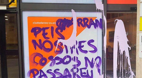 Arran ataca sedes de Ciudadanos y el Partido Popular en Barcelona