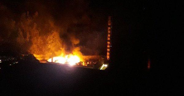 La explosión de un transformador en una subestación la madrugada de este lunes 11 de marzo arreció el apagón eléctrico en el municipio Baruta de Caracas/Cortesía