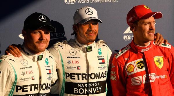 Bottas, Hamilton y Vettel posan tras la pole postition en Australia.