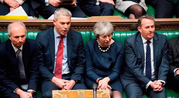 Theresa May durante el debate para prolongar el periodo de negociación del Brexit en el Parlamento de Londres.
