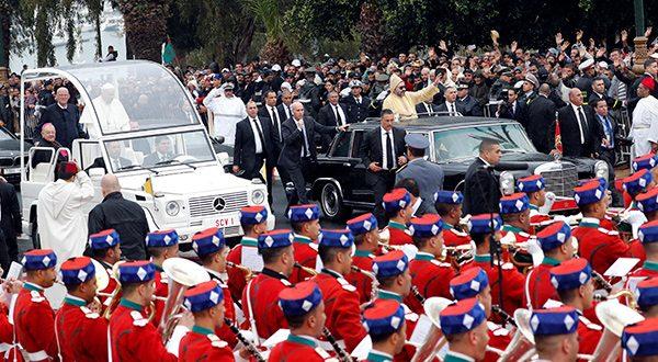 Migración no se resuelve con barreras físicas, según el papa Francisco. En su visita a Marruecos afirmó que hace falta justicia social