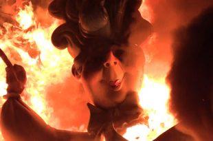 Fallas 2019. Cremà de la Falla L'Antiga de Campanar, del artista Carlos Carsí, ganadora del primer premio de la Sección Especial. / Foto: Juli Amadeu Àrias / CAMBIO16