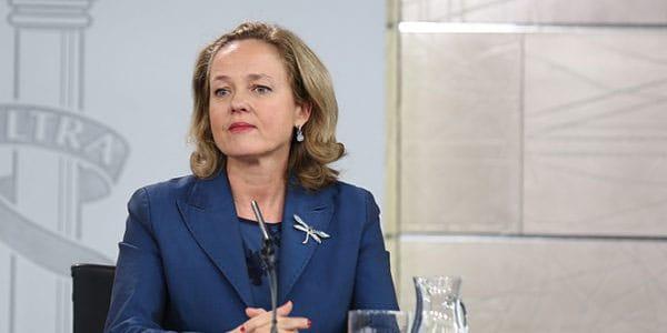 Aunque sin postularse en el venidero panorama electoral, la actual ministra de Economía Nadia Calviño hace propuestas, entre ellas marcadamente ecológicas.