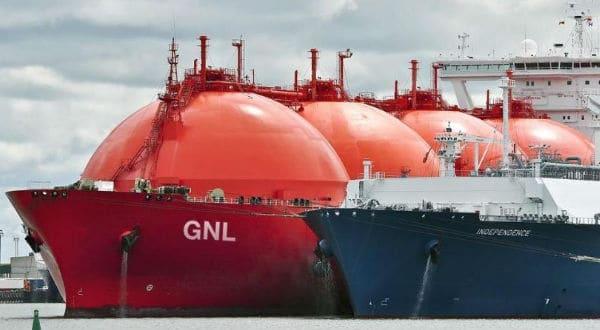 El gas natural puede emplearse en todo tipo de transporte terrestre, incluso el pesado como el de los camiones