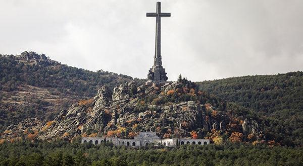 Vista general del Valle de los Caídos en San Lorenzo de El Escorial, a las afueras de Madrid, donde reposan los restos de Franco.