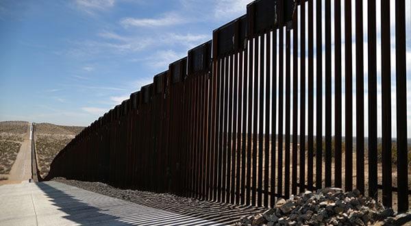 Con variadas medidas el Gobierno de EEUU ha venido reduciendo el ingreso de migrantes centroamericanos a través de la frontera con México.