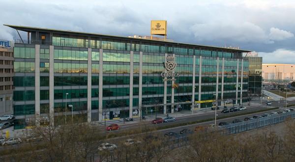Correos: Reducir el impacto ambiental con flotas y edificios sostenibles