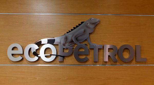 Logo de Ecopetrol en su sede de Bogotá, Colombia.
