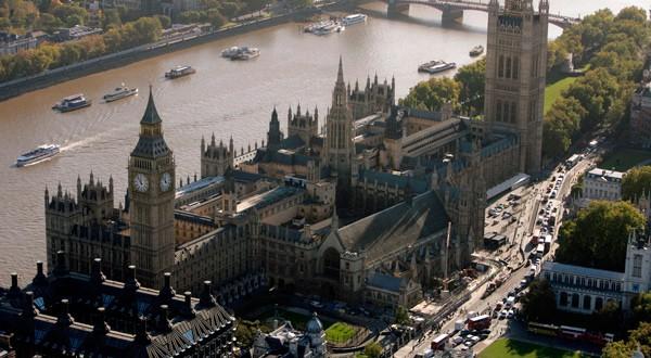 Vista aérea de la sede del Parlamento británico en Londres.