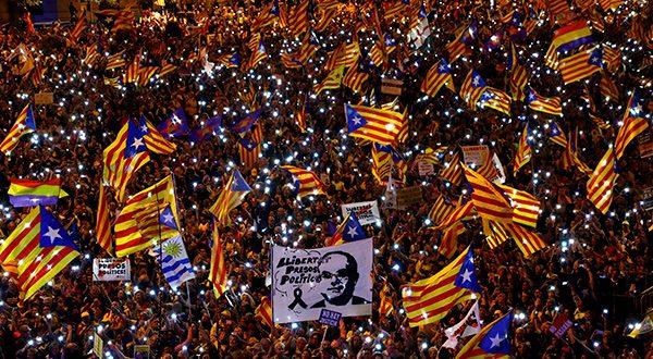 Juzgado de Barcelona procesó a 30 altos cargos catalanes por el referendum de 2017