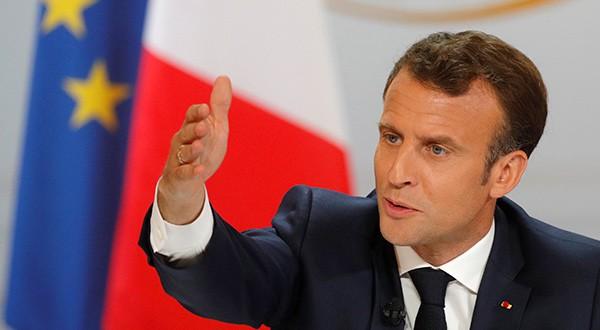 """Emmanuel Macron accedió a las demandas de los """"chalecos amarillos"""""""