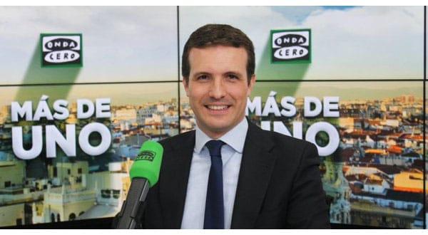 """En el programa radial """"Más de uno"""" de la cadena radial Onda Cero, el líder del PP Pablo Casado insistió este miércoles que en lo referente a decisiones del SMI, su intención es negociar con la patronal y los sindicatos españoles."""