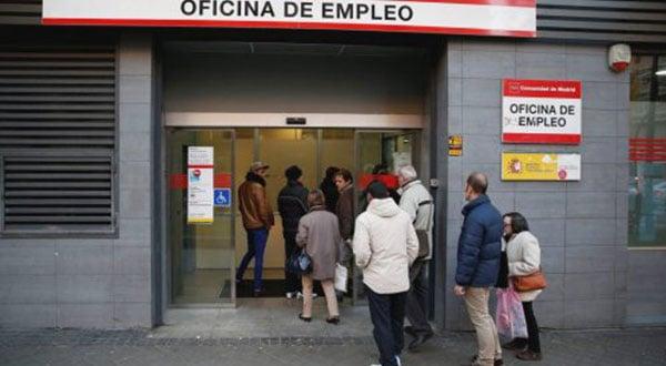 Conforme al más reciente resultado del sondeo de EPA, la cifra sobre el desempleo en España se incrementó en el primer trimestre de 2019 en 49.900 personas.