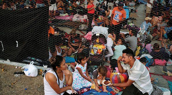 Se desbordan campamentos de migrantes en frontera de México con EEUU