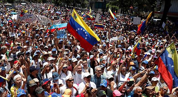 """Venezolanos abarrotaron las calles en el simulacro de la """"Operación Libertad"""" convocada por Guaidó"""