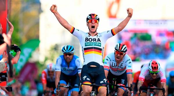 El alemán de Bora se quedó con la segunda etapa del Giro 2019.