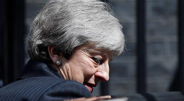 Theresa May enfrenta la falta de apoyo a su estrategia para el Brexit mientras su liderazgo se debilita