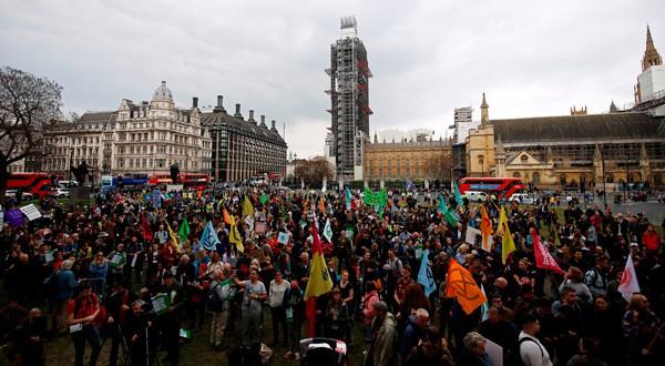 El grupo activista Extinction Rebellion en una marcha contra el cambio climático en Londres.