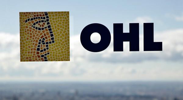Logo de OHL en la sede de la constructora en Madrid.