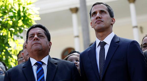 EEUU, Grupo de Lima, Unión Europea y OEA rechazaron detención de vicepresidente de AN, Edgar Zambrano, en Venezuela. En la imagen junto al presidente encargado, Juan Guaidó (derecha)