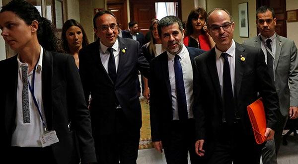 Con la decisión de la Mesa del Congreso de este viernes, los políticos catalanes encarcelados se despojan automáticamente de sus funciones parlamentarias.